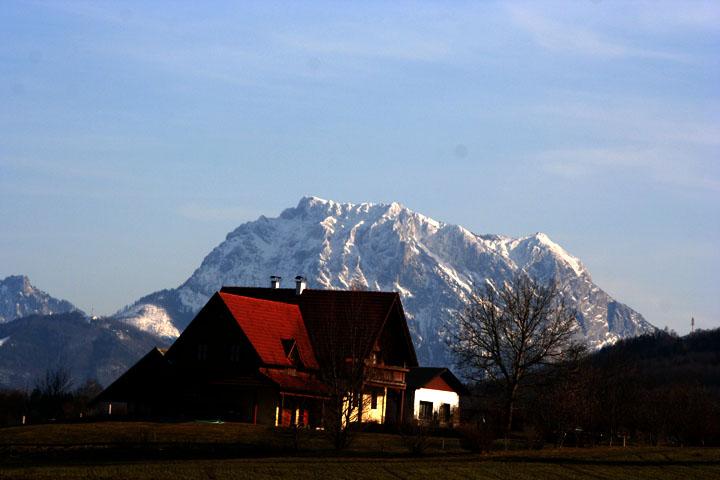 verschneiter Traunstein im Frühjahr 2009