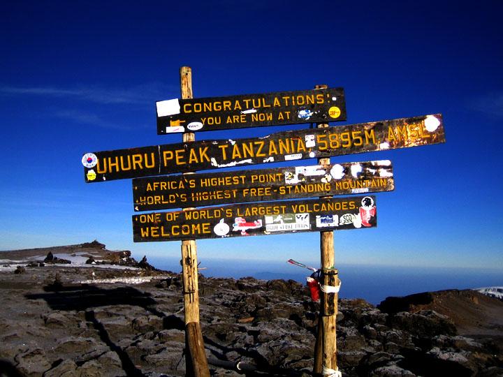 UHURU PEAK - Tansania - der höchste Punkt Afrikas und gleichzeitig der höchste freistehende Berg der Welt